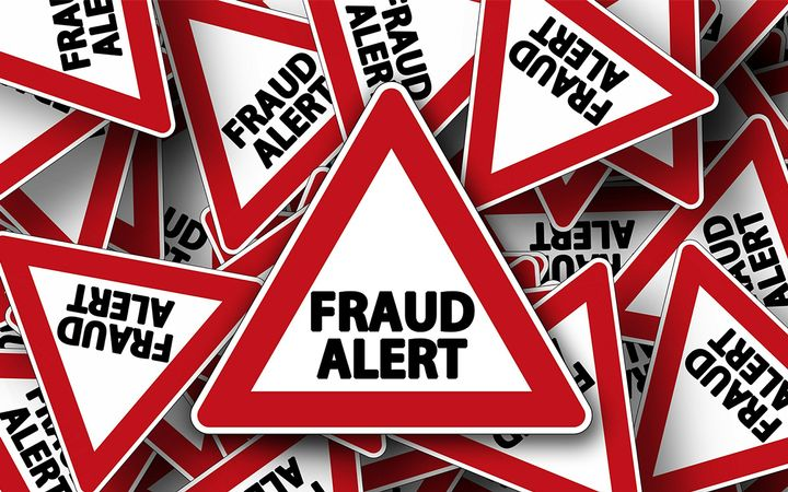 A lender's best strategy is to recognize potential fraudulent situations as early as possible and set up procedures to guard against losing its interest in the car through a lien sale. - IMAGE: Pixabay