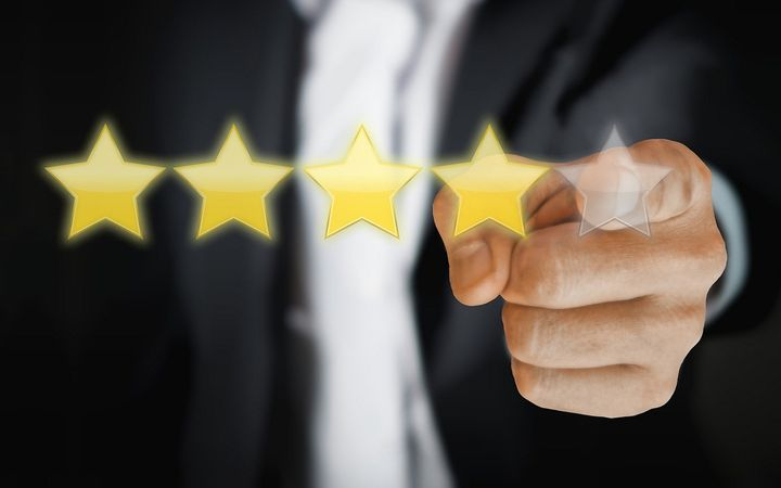 Friendemic analyzed over 4.2 million franchise dealer review records from January of 2017 through August of 2019 and found that the number of reviews over 4 stars has grown as a percentage of all reviews.  - IMAGE: Tumisu via Pixabay