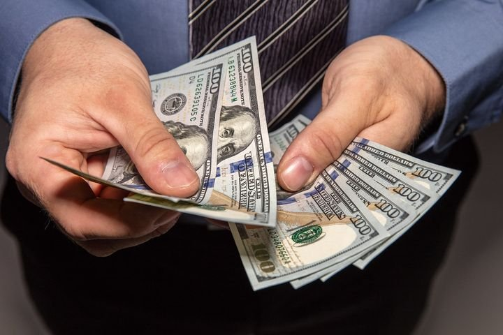 Consumers cut spending by 1.3% in May. -