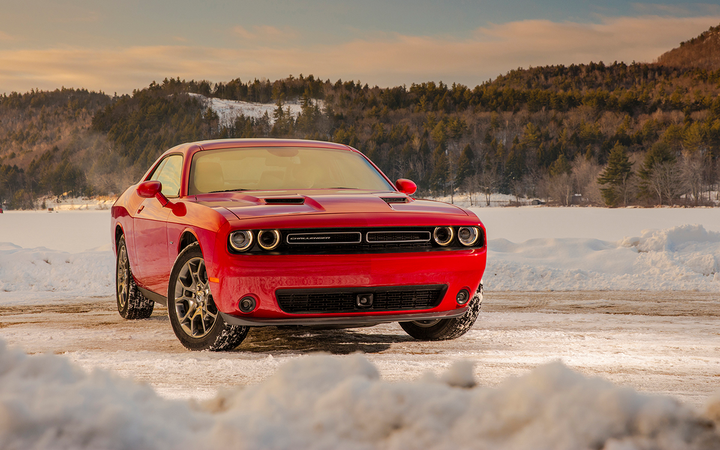 Prices for pre-owned sporty cars such as the Dodge Challenger fell by 3.3% in October, leading all segments in seasonal depreciation, according to the latest report from Black Book. 