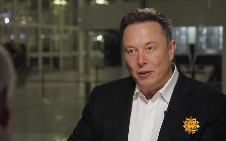 "Tesla CEO Elon Musk reportedly plans to erect ""Tesla Centers"" throughout the U.S. in a bid to move the electric carmaker closer to its 100,000-unit quarterly sales goal. 