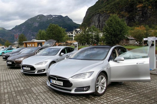 Tesla has hung its hat on a peerless customer service experience, but reliability issues continue to dog their products. Photo courtesy Norwegian Electric Vehicle Association