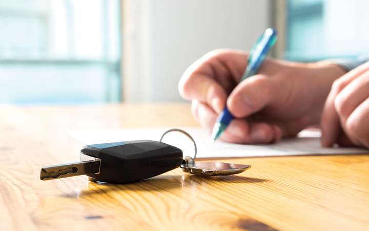 A growing affordability gap, enhanced by rising interest rates, is among the reasons leasing will continue to make sense to U.S. car buyers in 2019. 