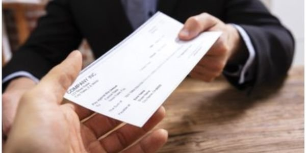 Do you know how to vet a paystub for legitimacy? These 10 tips can help you catch the phonies.