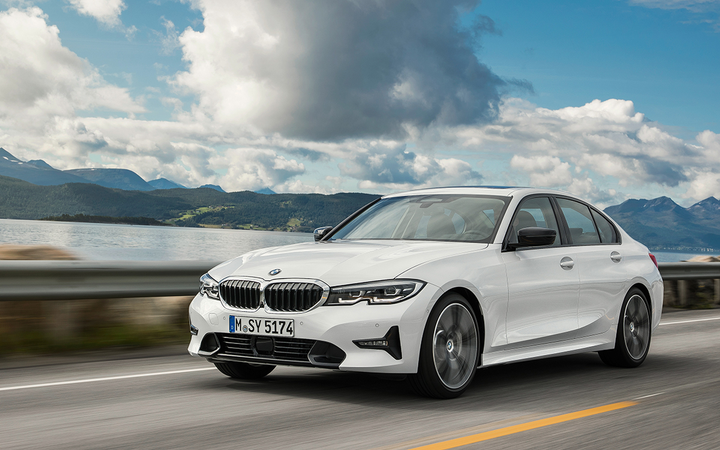 Lease prices for the BMW 300i have increased by 19.7% to an average of $399 per month, the biggest spike among major manufacturers so far this month. 