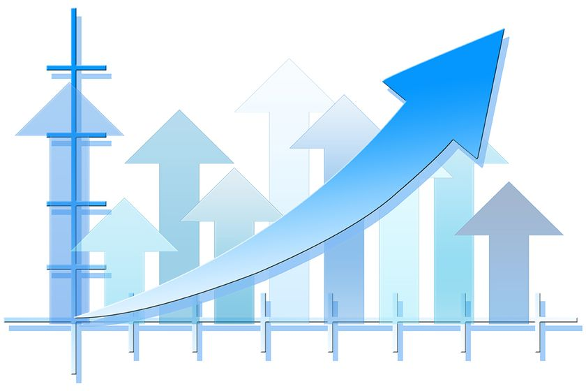DealerSocket's new report provides a snapshot of inventory and web traffic trends.