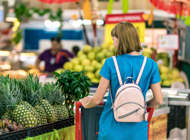 Thirty-one percent of men and 34% of women said grocers provide America's best customer...