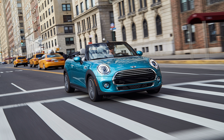 Mini was one of only three manufacturers to record a year-over-year decrease in the latest U.S. new-vehicle sales report, delivering fewer than 3,000 units in July for a 34.2% decline. Each of the Detroit 3 factories declined to report monthly sales for the first time. 