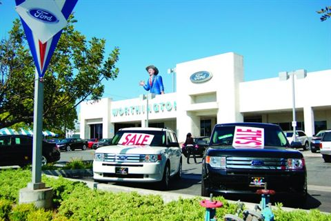 Cal Worthington Ford >> Fighting For A Worthy Cause F I F I And Showroom