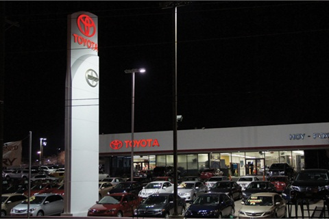 Located in El Paso, Texas, Hoy Fox Toyota averages about 250 deals per month. The store's F&I team averages $1,300 per copy, with each producer aiming for three F&I products per deal.