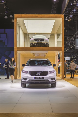 Volvo Cars used the Los Angeles Auto Show to debut its 2019 XC40 and a new subscription service for its new compact SUV. The latter will be available when the XC40 arrives in dealership showrooms this spring.