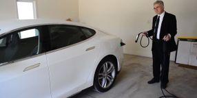 'King of Lemon Laws' Files Suit Against Tesla
