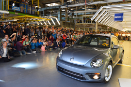 Last VW Beetle Rolls Off Production Line