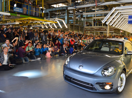 After three generations and 50 years of noncontinuous production, the final Volkswagen Beetle has rolled off its Puebla, Mexico factory's assembly line.